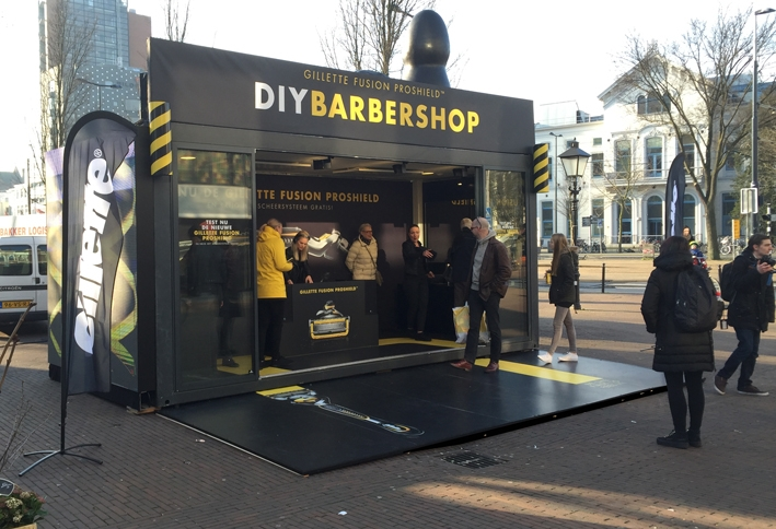DIY Barbershop Communits event glazen box